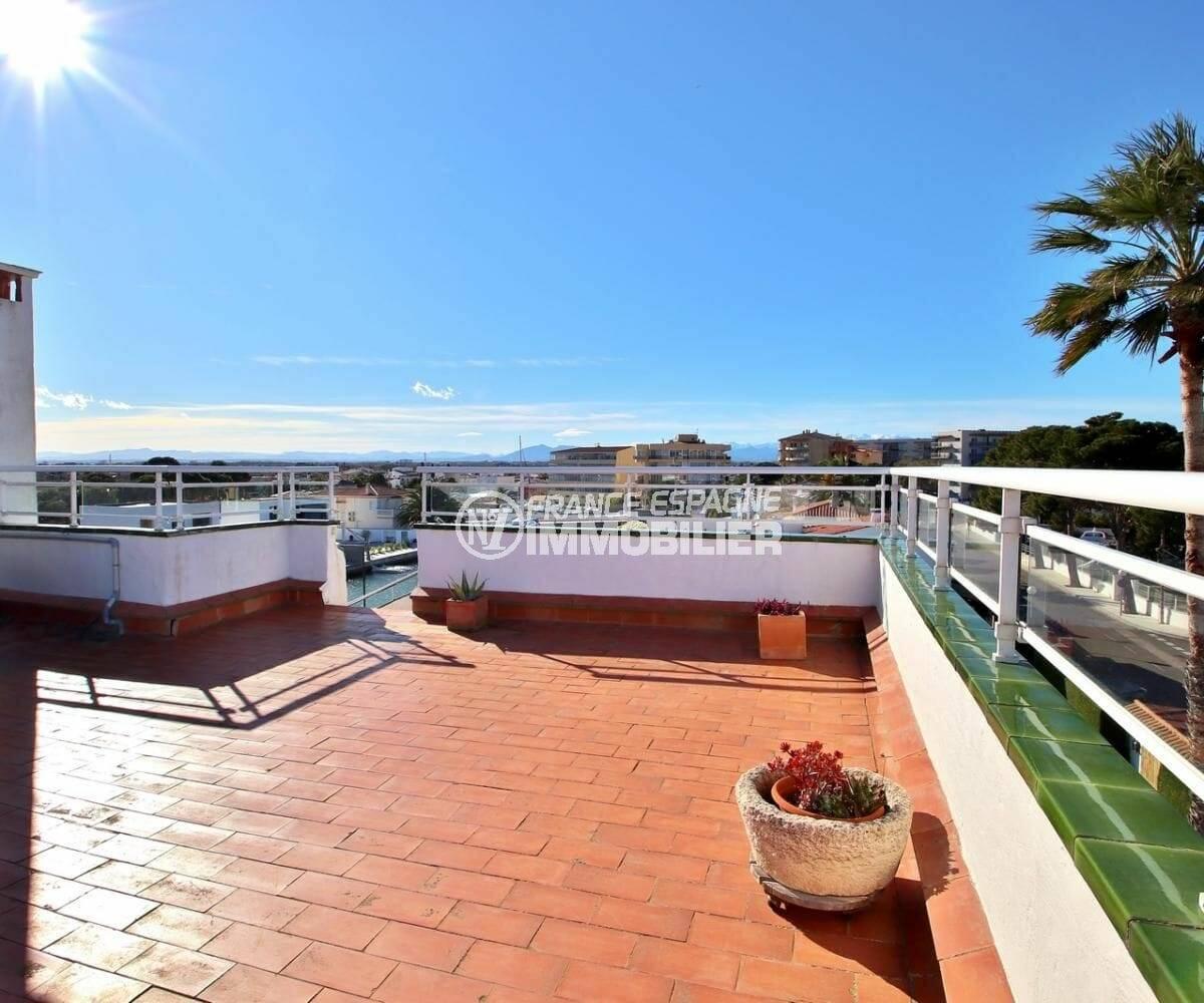 achat appartement rosas, atico de 65 m², vue dégagée sur la marina