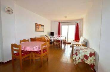 immobilier empuria brava: appartement proche plage, salon / séjour accès terrasse