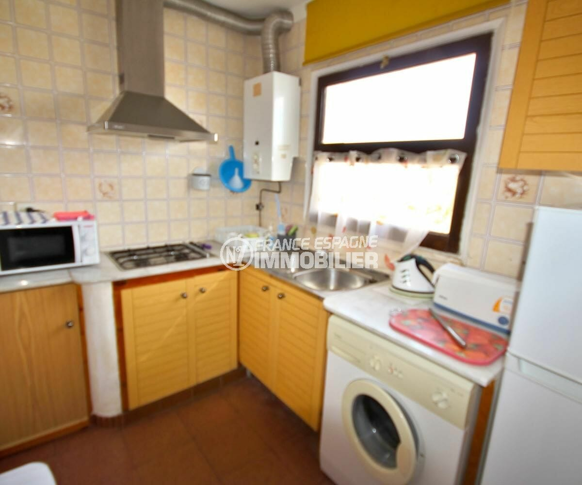 immobilier espagne costa brava: villa 72 m², cuisine aménagée semi ouverte