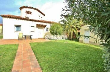 la costa brava: villa 143 m², jolie façade avec belle terrasse