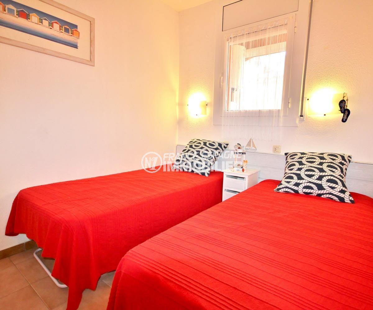 achat appartement empuriabrava, plage 200 m, deuxième chambre avec 2 lits simples