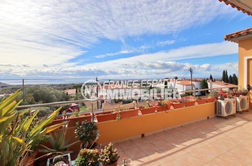 roses espagne: villa 358 m², magnifique vue sur la mer depuis la terrasse