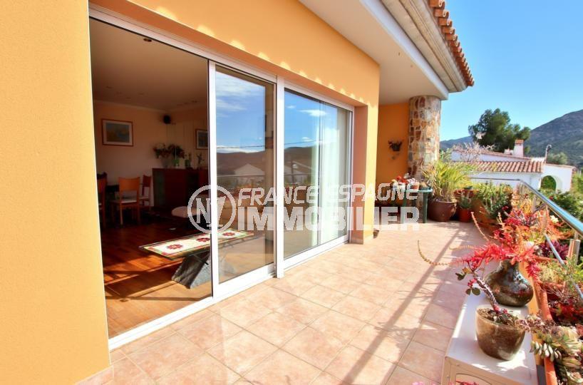 maison a vendre rosas vue mer, 358 m², terrasse de 20 m² vue mer avec accès au salon