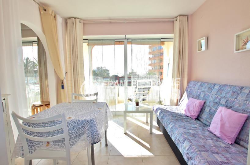 roses espagne: appartement 59 m², double séjour avec accès à la terrasse