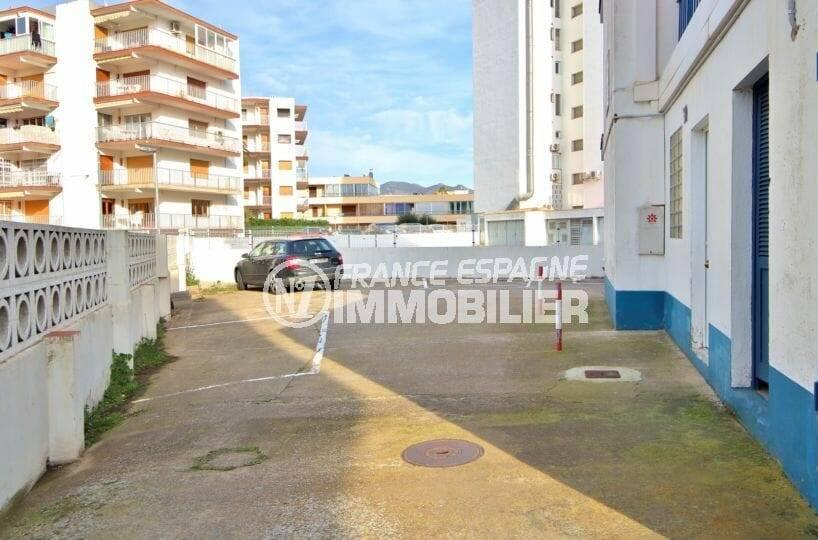 appartement costa brava: studio vue mer à 100 m de la plage avec parking communautaire