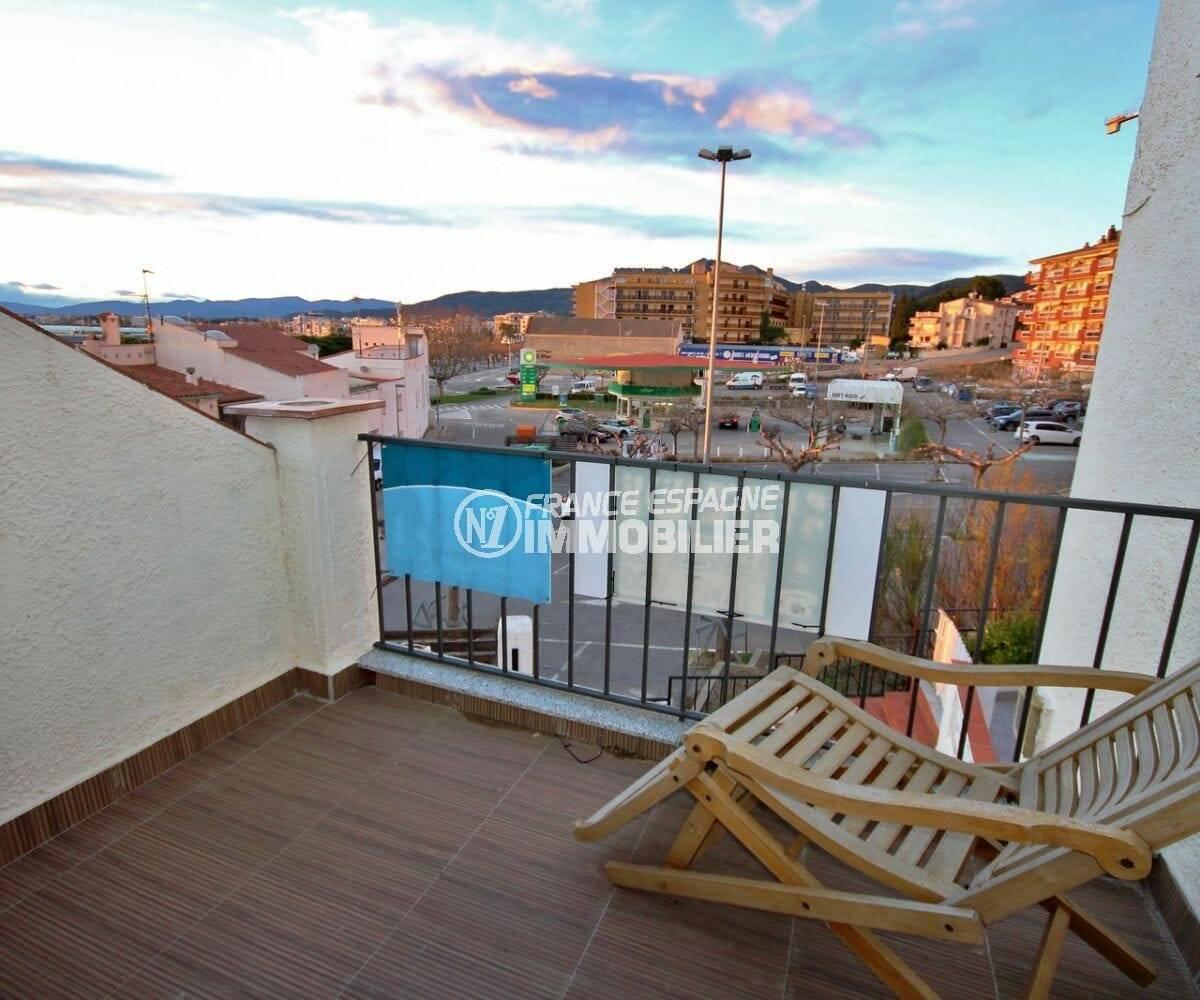 ventes immobilieres rosas espagne: villa de 42 m² avec terrasse privée petite vue mer