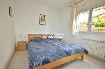 vente maison costa brava, proche sant pere pescador, première chambre lit double