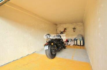 appartement rosas vente, secteur prisé proche plage, garage privé