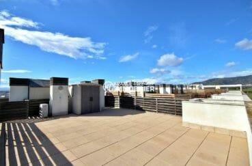 appartement rosas vente, terrasse solarium de 60 m² avec vue mer et canal