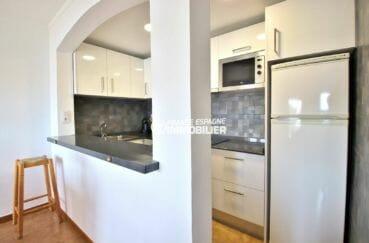 appartement rosas vente, atico de 65 m², cuisine semi ouverte sur le séjour