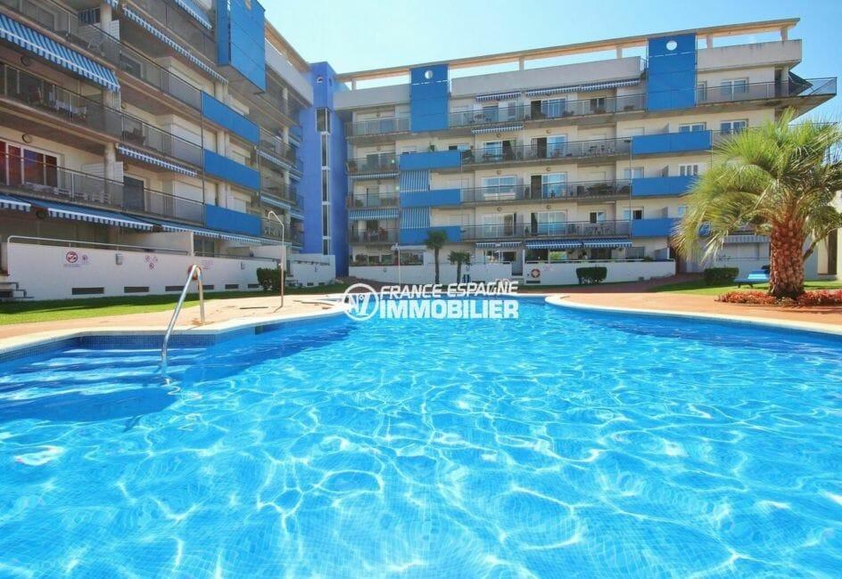 vente immobilier rosas espagne: appartement 50 m², vue plongeante sur la piscine communautaire