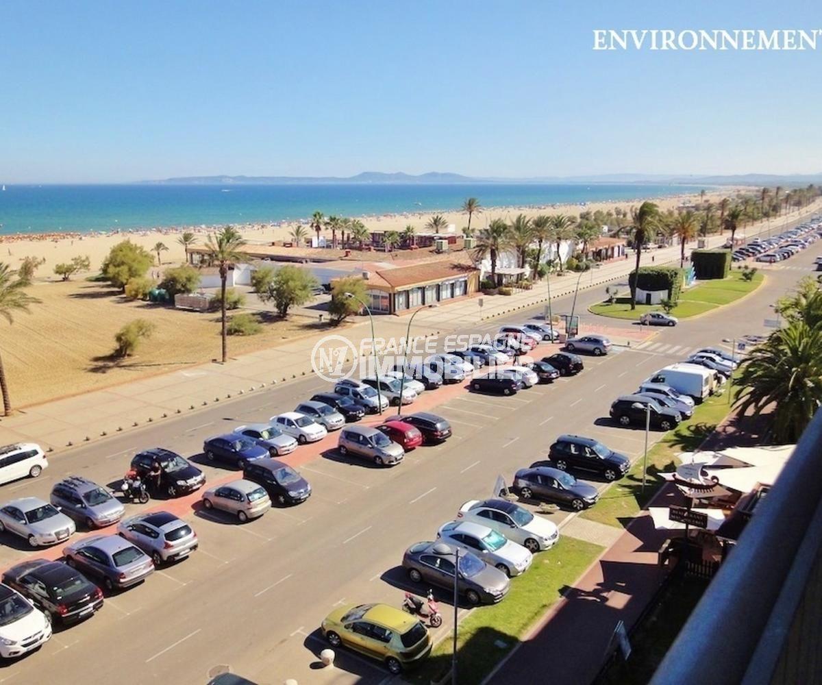 possibilité parking privé en sous-sol à 200 m de la plage d'empuriabrava