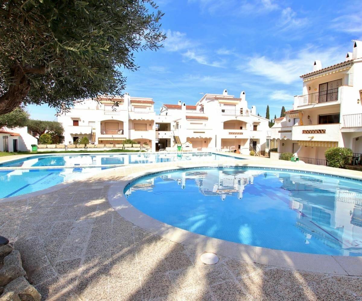 roses espagne: appartement 34 m², résidence proche plage avec piscine et tennis