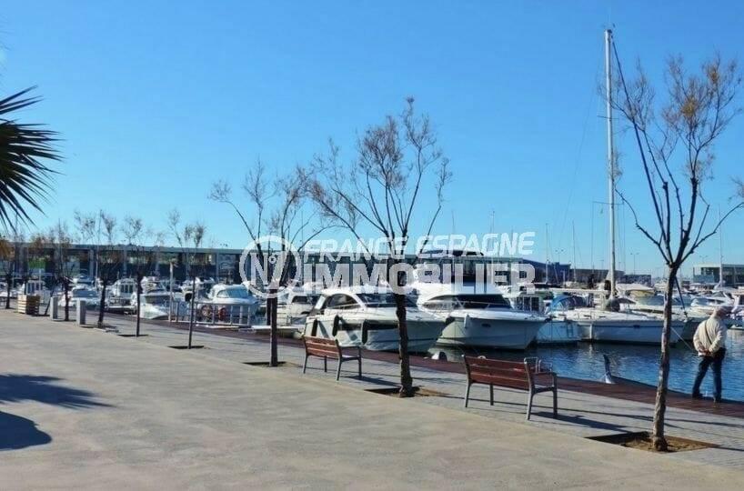 immobilier costa brava: port de plaisance de roses aux environs