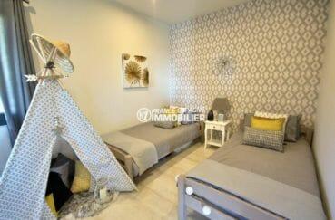 la costa brava: villa 250 m² habitables, seconde chambre (d'enfant) avec 2 lits