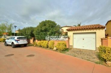 maison costa brava, villa 143 m², parking cour intérieure avec grand garage