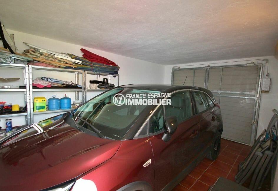 n1immobilier: villa 143 m², grand garage d'environ 24 m² avec rangements