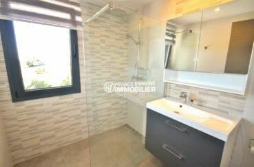 immobilier costa brava: villa de construction nopuvelle avec 4 chambres et 3 salles de bains