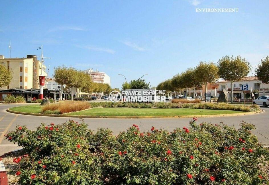 centre-ville d'empuriabrava et commerces à proximité