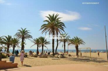 espaces de jeux aménagés sur la plage aux alentours