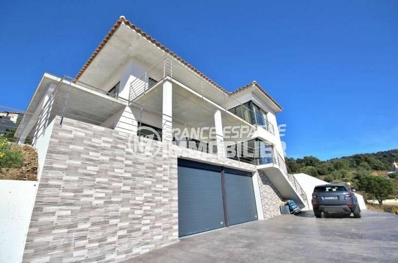 achat rosas espagne: villa 330 m² construit, terrain 1342 m², entrée du garage double 46 m²