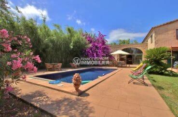 agence immobilière costa brava: villa 318 m², vue sur la piscine de 9 m x 4 m