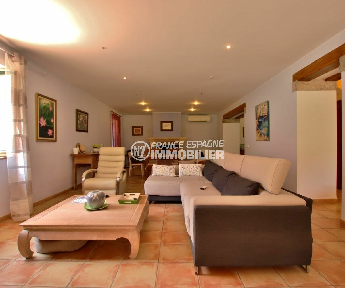 acheter maison empuriabrava, investissement, grand salon / séjour lumineux accès terrasse