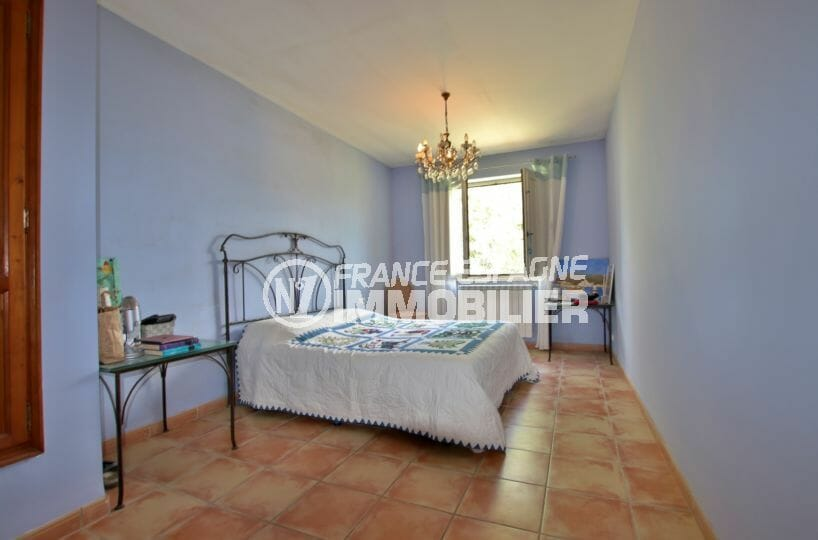 acheter maison costa brava, investissement, chambre 2 spacieuse avec lit double