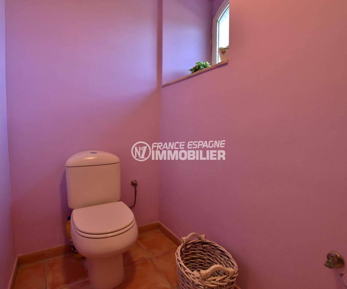 vente immobilier costa brava: villa 318 m², aperçu des wc indépendants