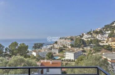 immobilier rosas: appartement avec cave, secteur prisé vue mer proche plage