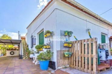 immobilier rosas: villa secteur agréable, terrasse solarium, parking, proche plage