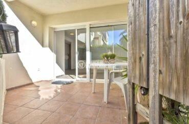 appartement a vendre empuriabrava, proche plage, belle terrasse accès salon / séjour