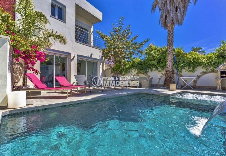 maison a vendre empuria brava, proche plage, vue plongeante sur la piscine coin détente