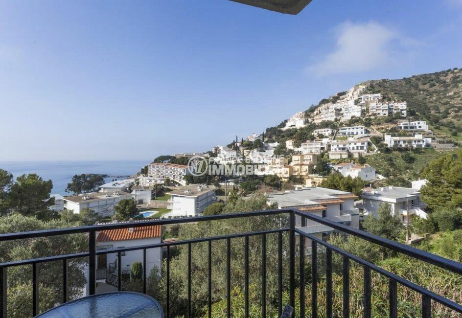 vente appartement rosas, secteur prisé, vue mer et montagnes depuis la terrasse