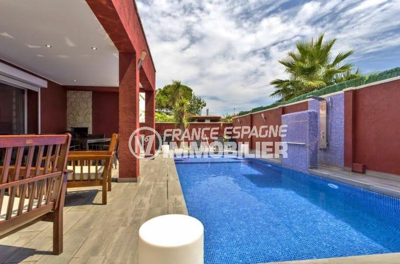 immo empuriabrava: villa 149 m², vue sur piscine de 8 m x 4 m avec terrasse coin détente