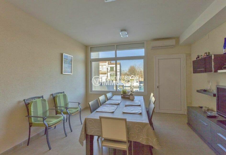 vente appartement empuriabrava, 72 m² avec séjour vue canal