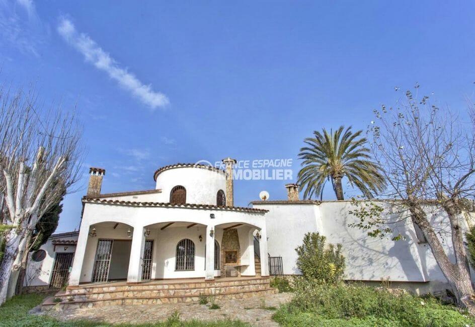 agence immobiliere costa brava: villa 129 m², vue sur terrasse avec barbecue