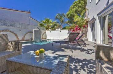 agence immobilière costa brava: villa 150 m², terrain de 260 m² avec piscine