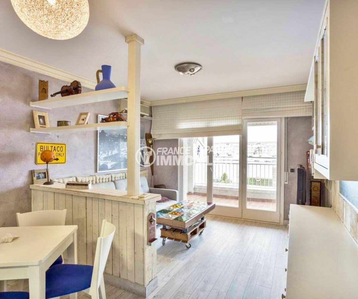 agence immobiliere costa brava: appartement 55 m², salon / séjour avec espace repas