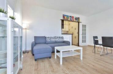agence immobilière costa brava: appartement avec cave, salon / séjour avec rangements
