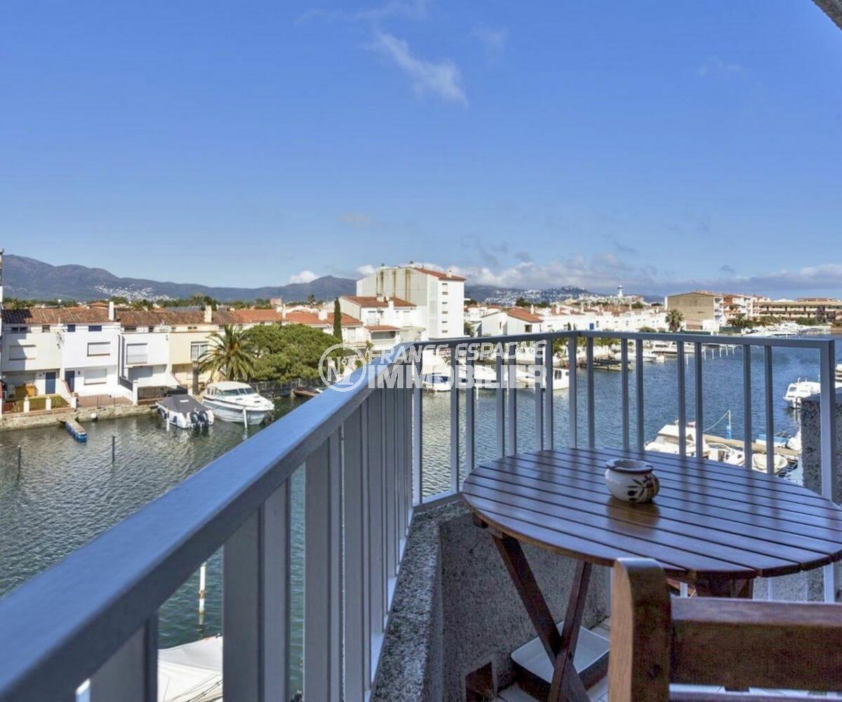 vente appartement empuriabrava, amarre, terrasse vue canal accès salon/ séjour