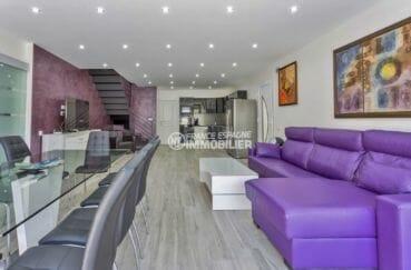 maison a vendre espagne, piscine, salon / séjour spacieux avec table et canapé