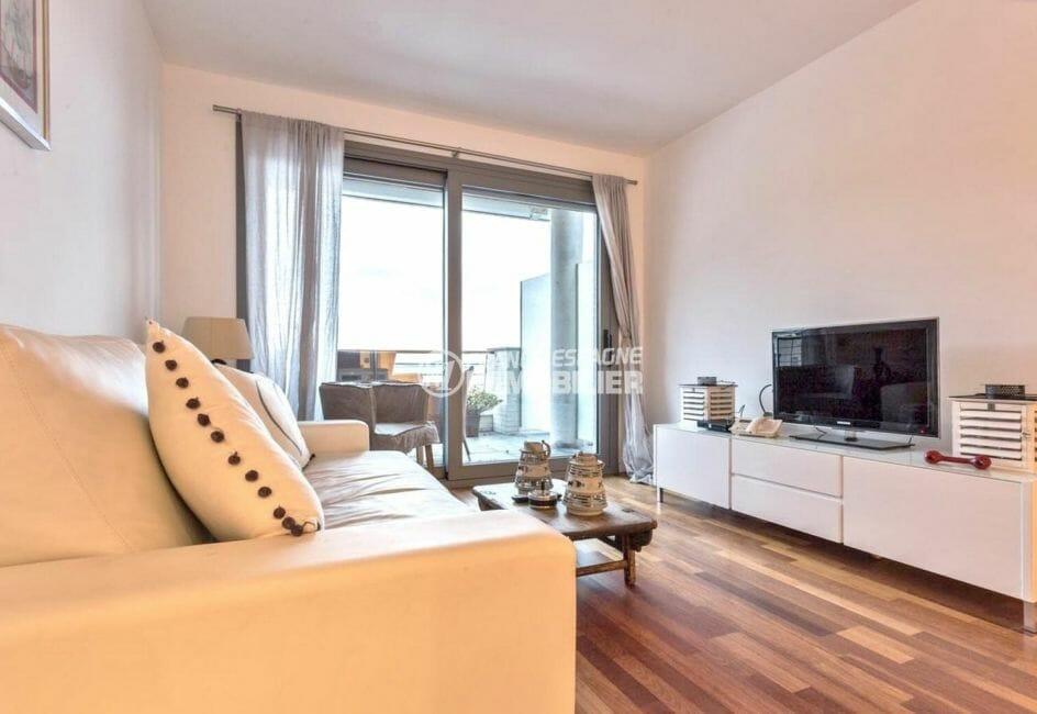 immo roses: appartement atico 70 m², salon / séjour avec accès à la terrasse