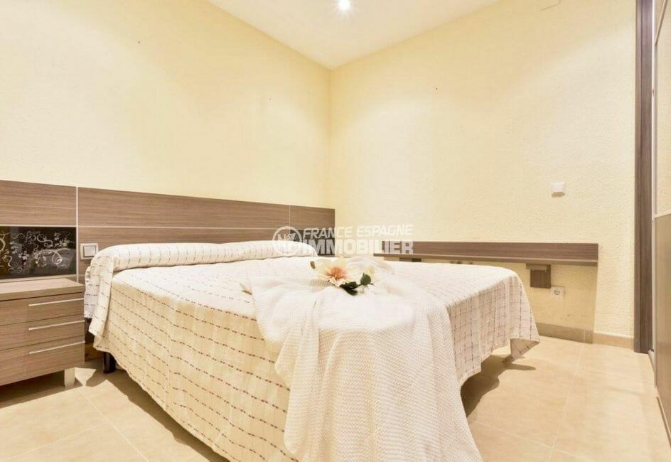 achat appartement empuriabrava: 72 m² avec amarre, séjour/salle à manger et une chambre