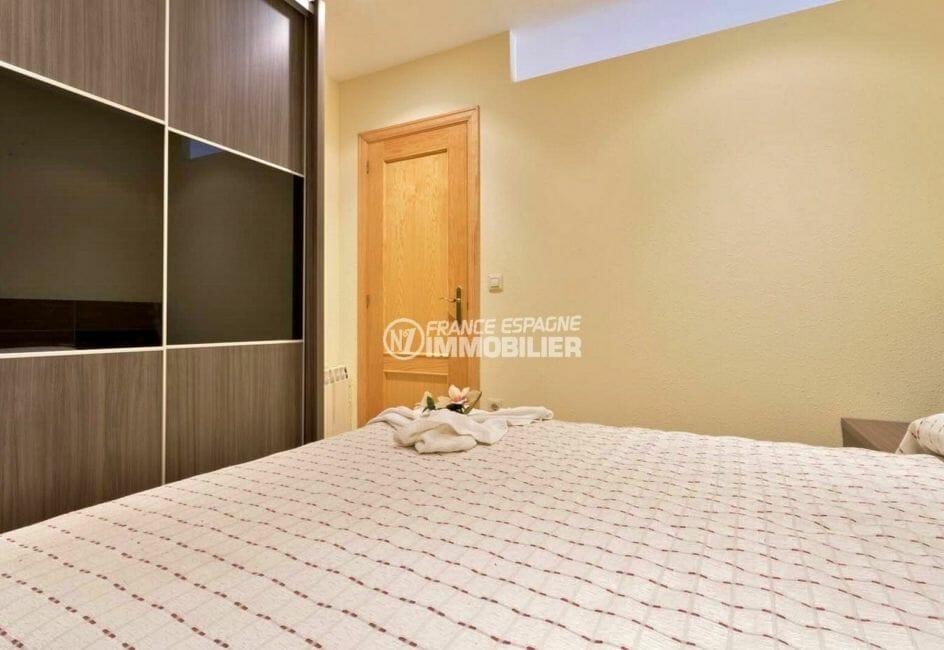 acheter appartement empuriabrava, ref.3923, chambre avec grande penderie intégrée