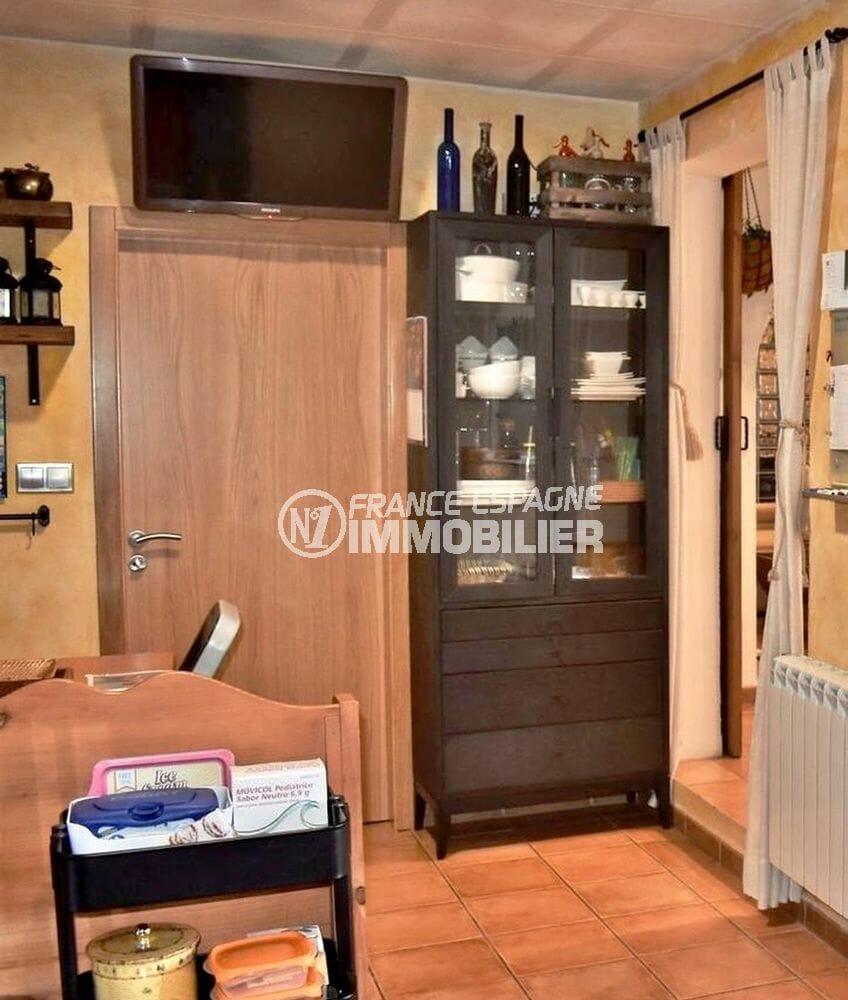 maison a vendre a empuriabrava, garage, cuisine avec des rangements