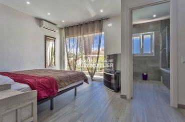 agence immobiliere costa brava espagne: villa 150 m², suite parentale avec balcon et salle de bains attenante