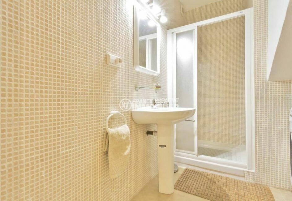 appartement a empuriabrava, ref.3923, salle d'eau avec cabine de douche