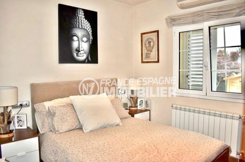acheter maison empuriabrava, proche plage, première chambre avec lit double et rangements