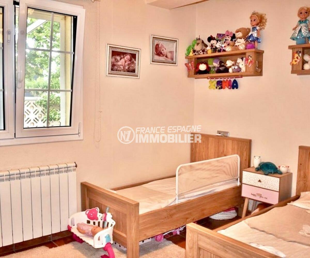 maison a vendre espagne, possibilité piscine, deuxième chambre avec 2 lits simples